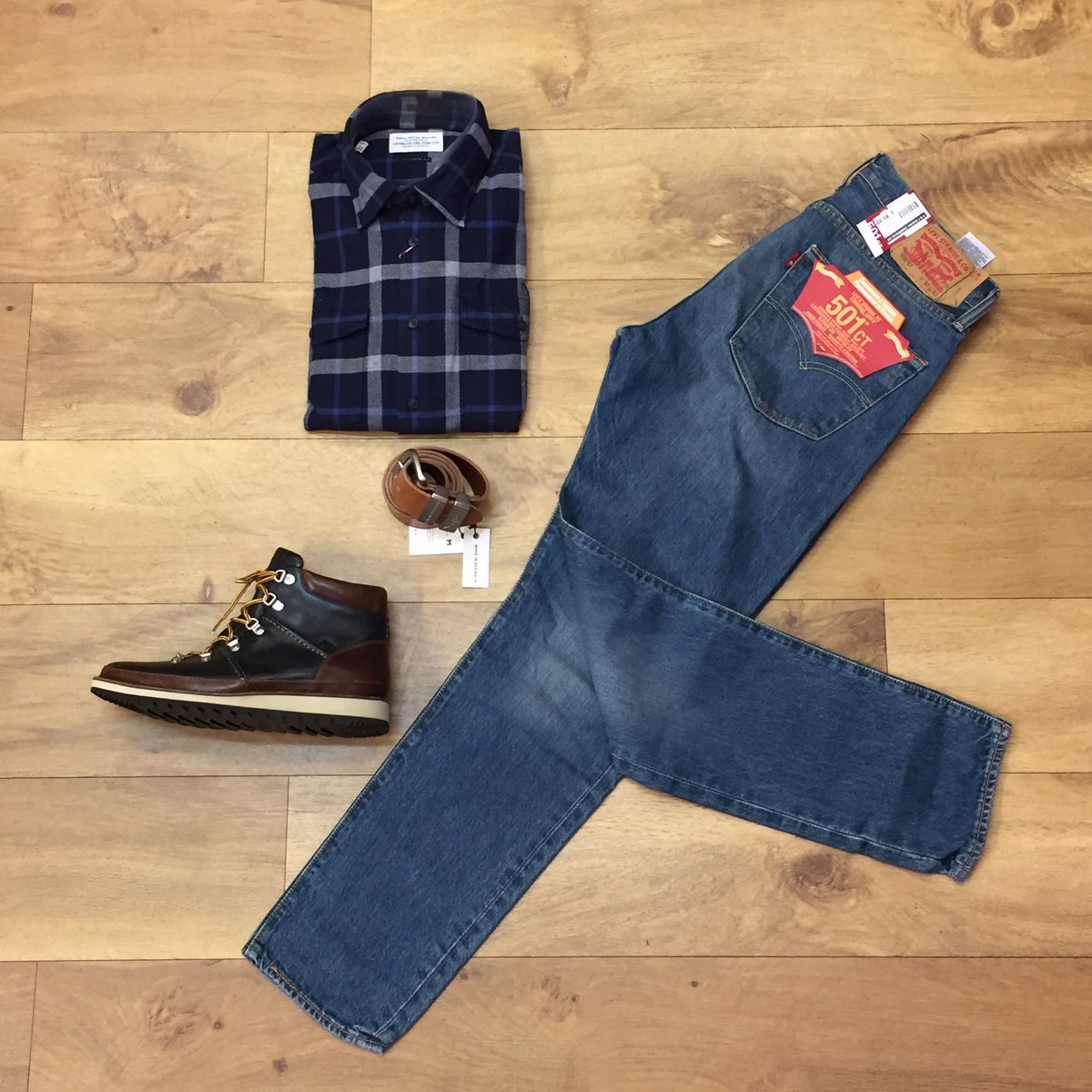 Our #ootd features @Barbour Shirt, @Sperry_UK boots, @Levis_UK Jeans and @RMWilliamsUK Belt #menswear #autumnwinter #shirt #jeans #suffolk