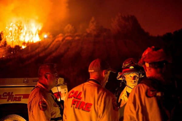 LomaFire containment grows to 22 percent, but burn zone spreads.