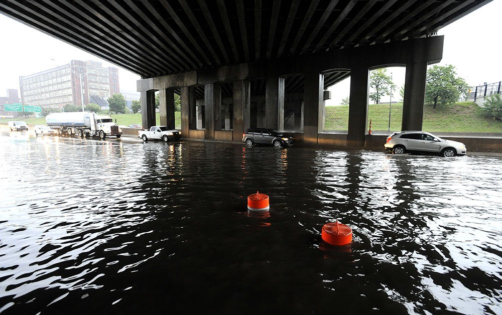 Metro Detroit flooding forces expressway closures. Lots of them.