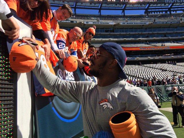Broncos' Von Miller (@Millerlite40) wins AFC Player of the Month honors: via @TroyRenck