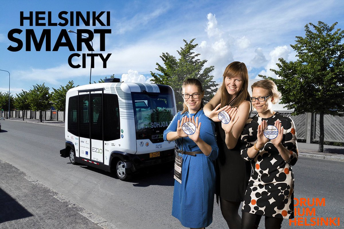 #fiksukalasatama went to #smarthelsinki and all we got was this silly photo! https://t.co/ngeGzO1Xy3