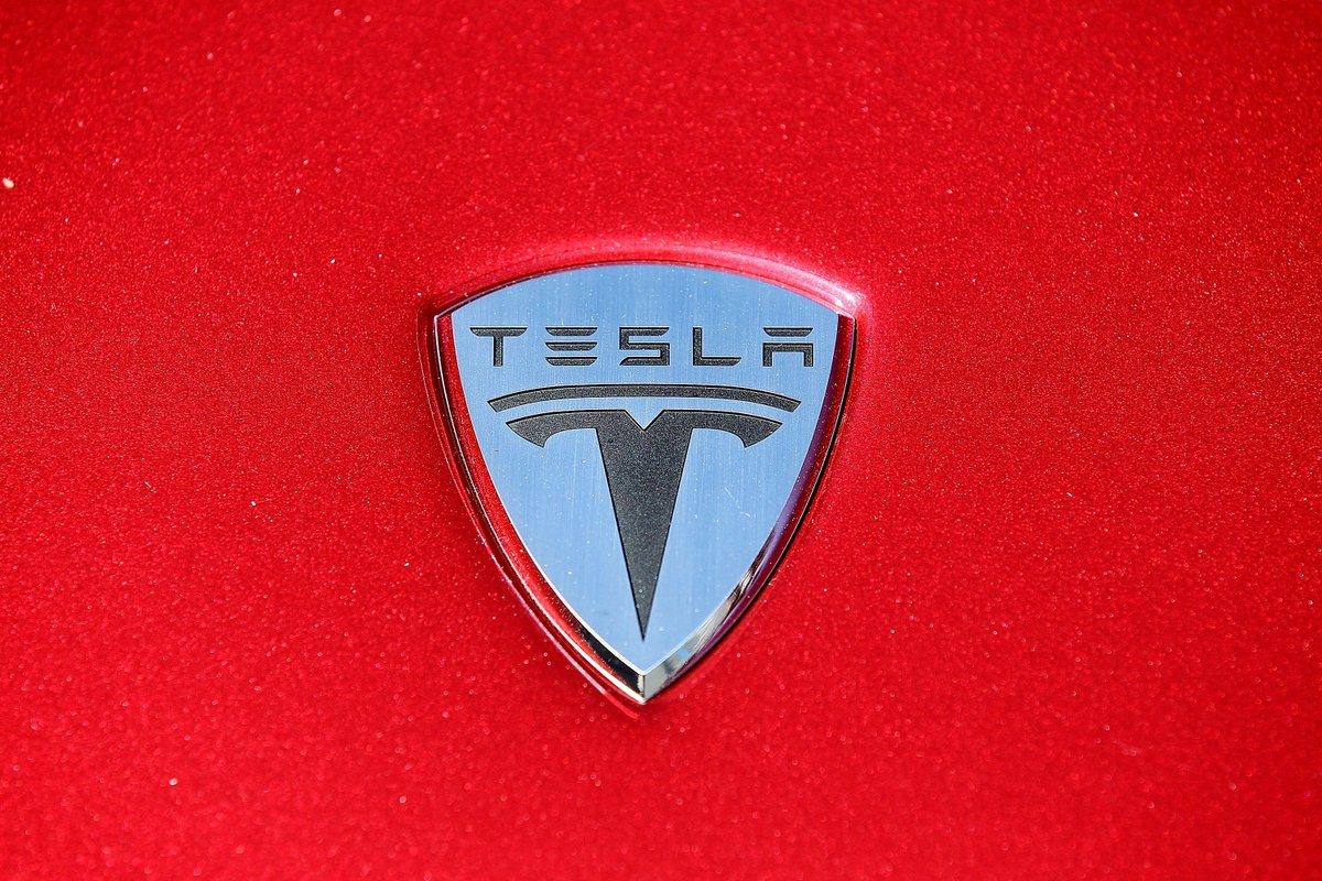 Tesla exec calls Snyder offer 'empty gesture.'
