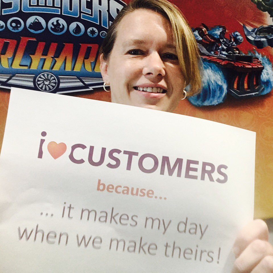#CXDay #iheartcustomers @annettefranz @lynnemahoney @clearaction Tag, you're it! Why do you <3 customers? https://t.co/X9jNBw7OXx