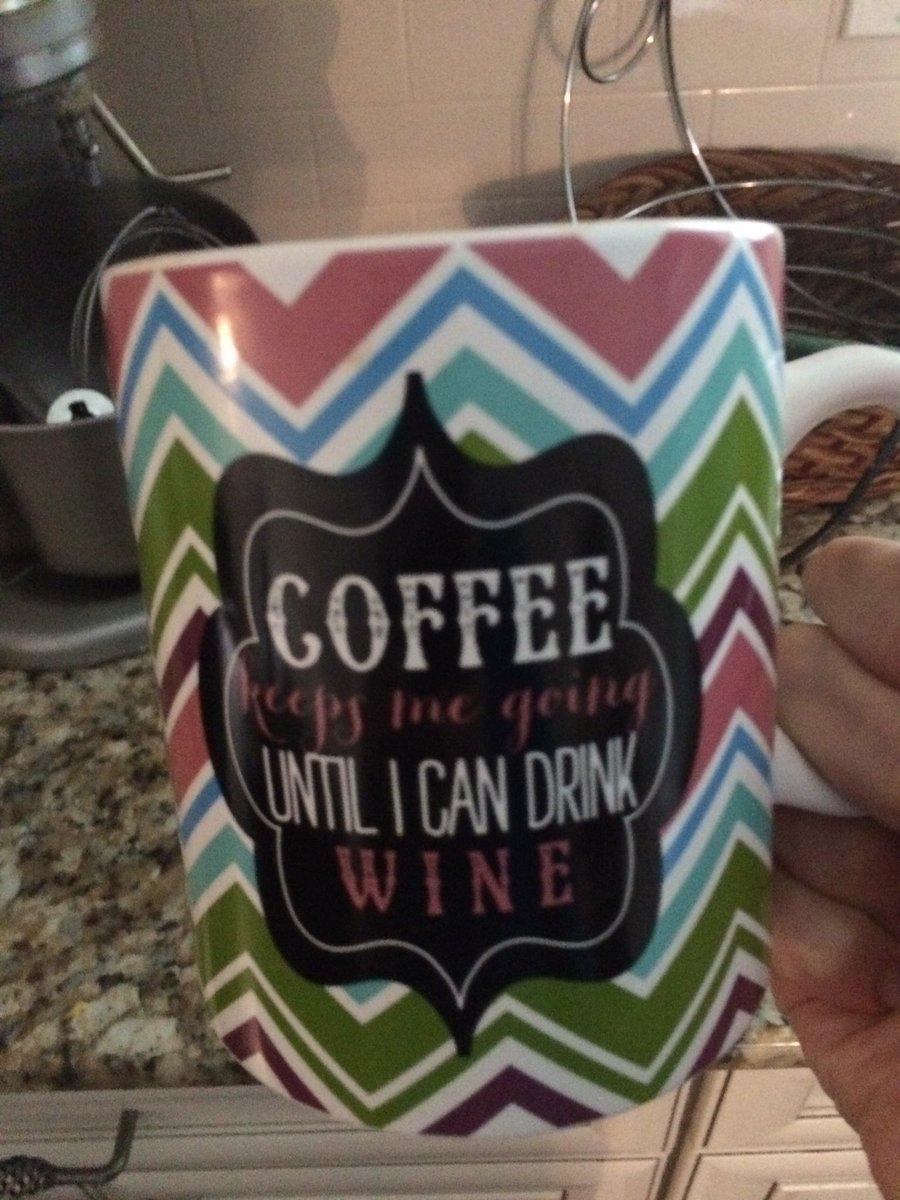 @BUNN @SeeMomClick q5 my best friend bought me this! #BunnBrewsCoffee https://t.co/utbrp8rbMk