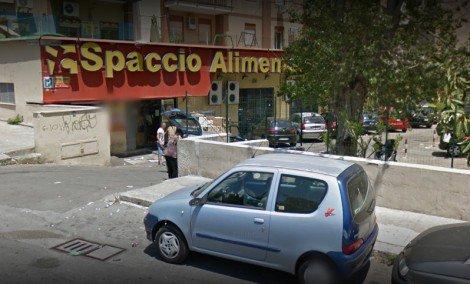 Ladro cerca di rubare allo Spaccio Alimentare, picchiato dai commessi - https://t.co/18axMsNzLT #blogsicilianotizie