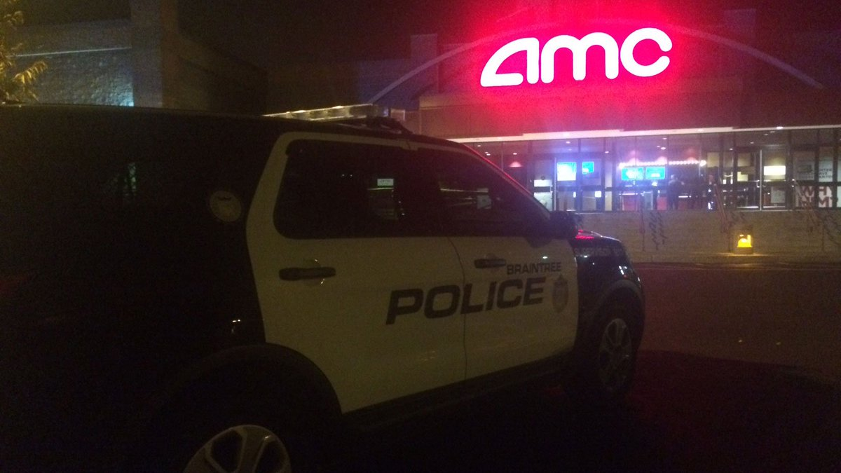 2 men stabbed outside of Braintree movie theater