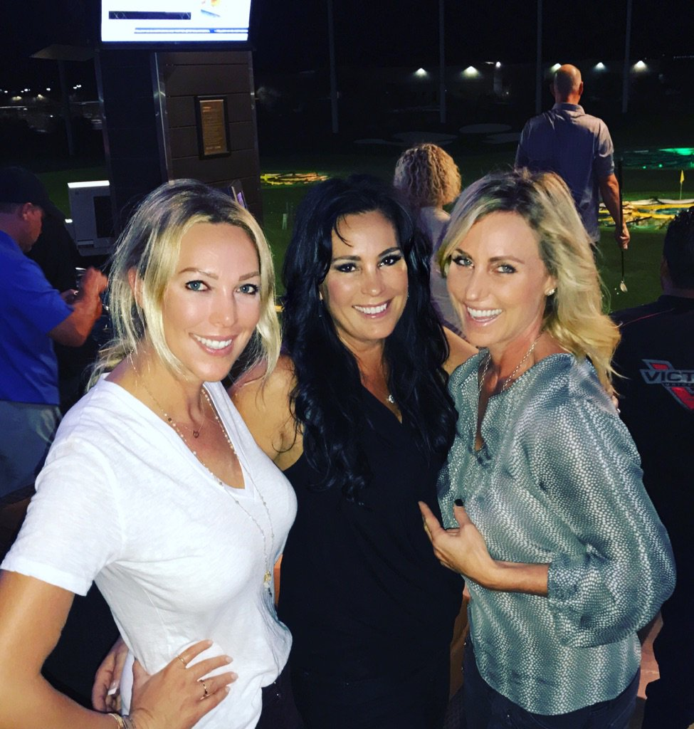 Top Golf @tracyroenick @ginaweber @celebritygreens @topgolf great night https://t.co/G9w1LUXayu