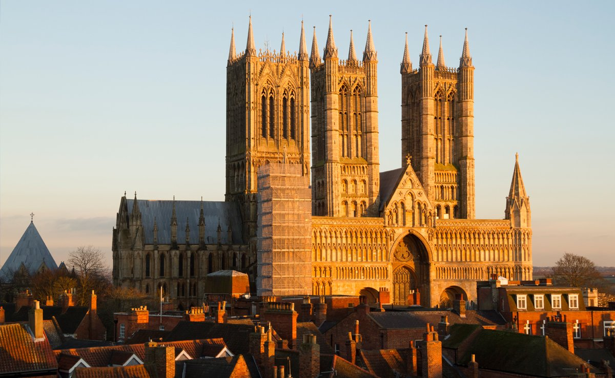 #LincolnshireDay Facts: @LincsCathedral was the tallest building in the world between 1300 and 1549. https://t.co/KYtiNkjHvA