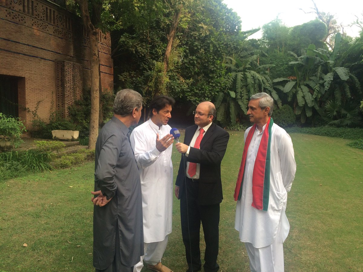 Awn Chaudry On Twitter Three Heroes Of Pti Standing With Nadeem Malik About To Depart For Raiwind