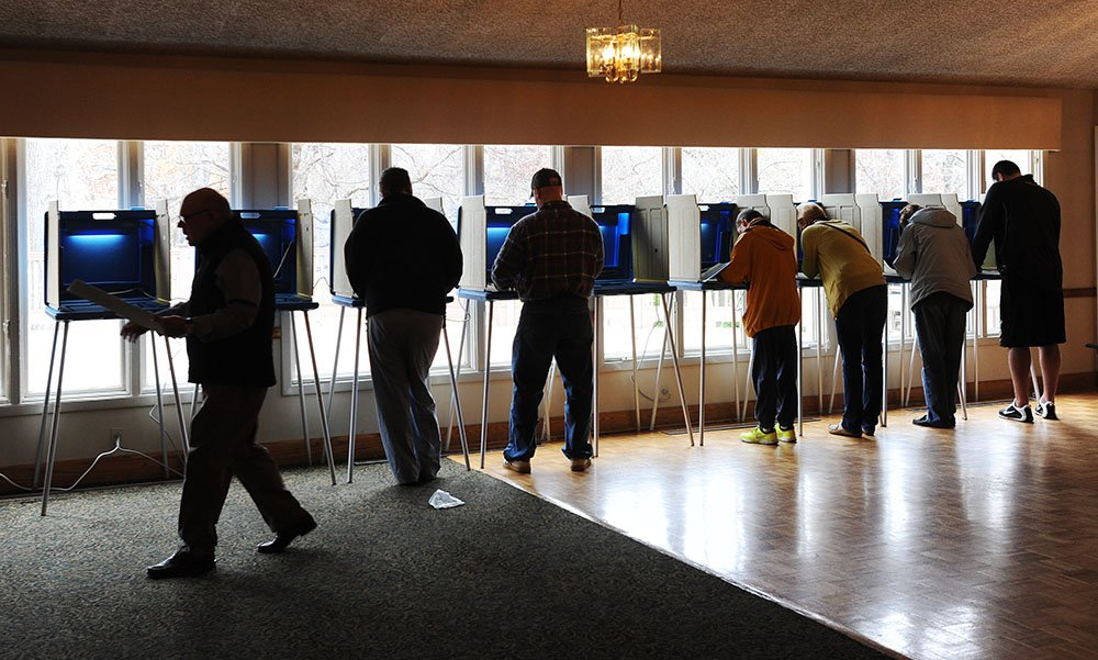 Poll: Michigan voters less enthused to cast ballots than in 2012.