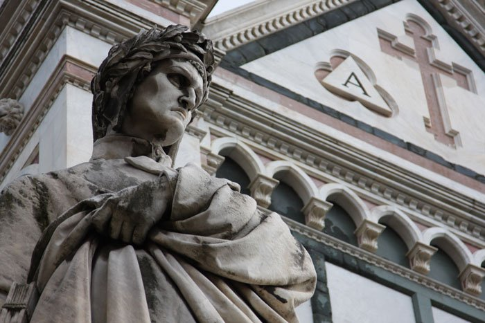 An inquisitive mind you have? If Robert Langdon is your hero, book the #Inferno tour by @villasanmichele! https://t.co/YKo5VTd3Vi #travel https://t.co/1Ns3EjfbYR