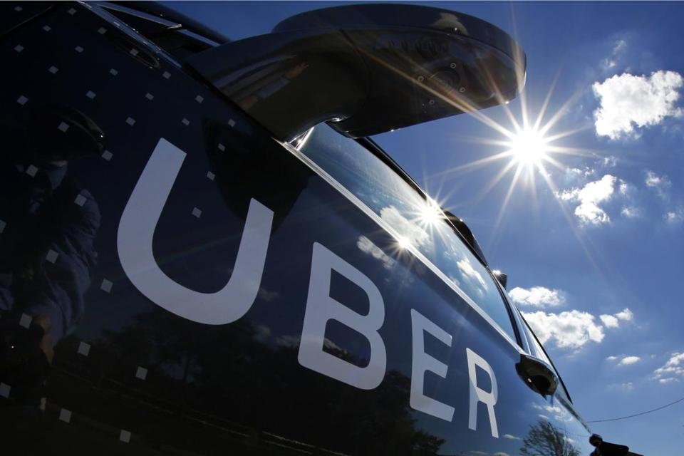 Boston says it does not need to apply taxi regulations to Uber, Lyft