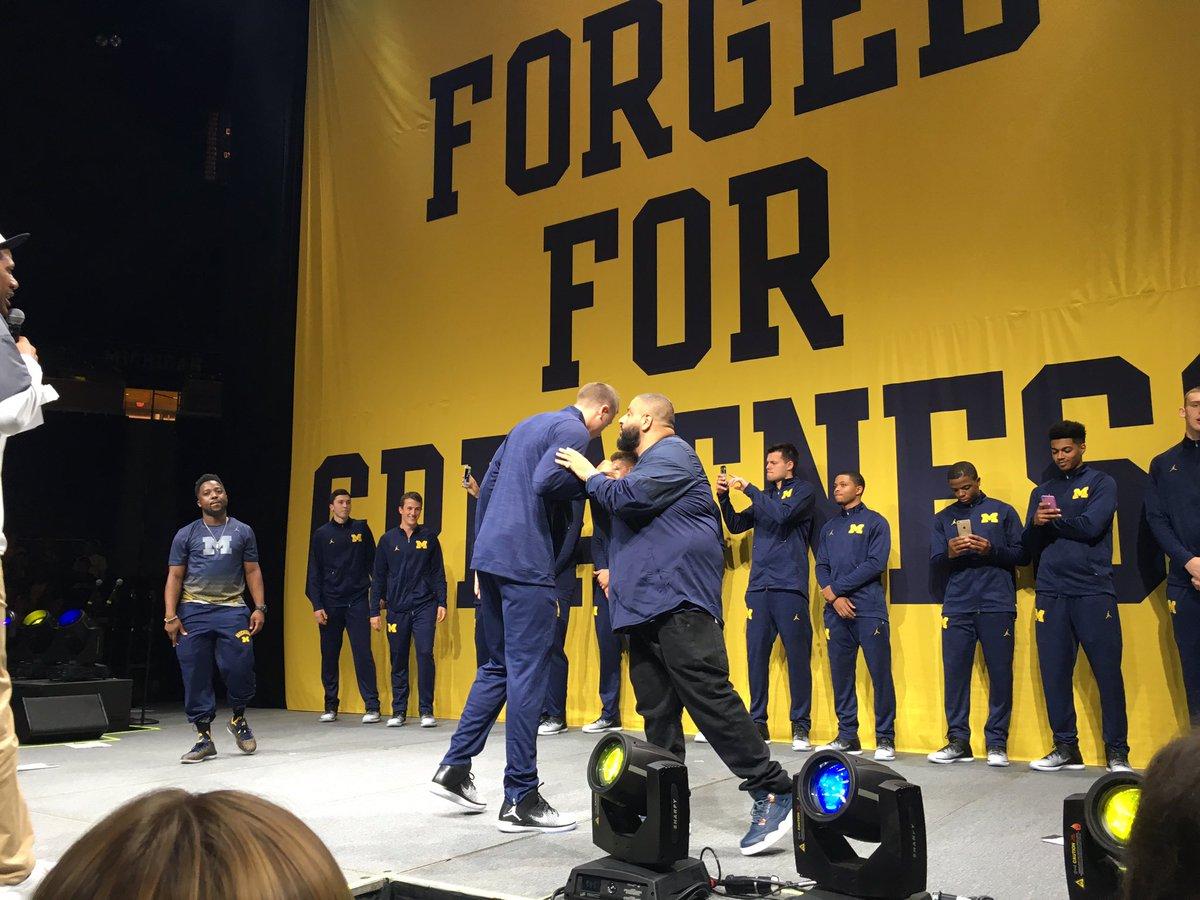 DJ Khaled showing MUCH love for Michigan basketball at their Jumpman jersey unveiling. jumpmanjumpmanjumpman