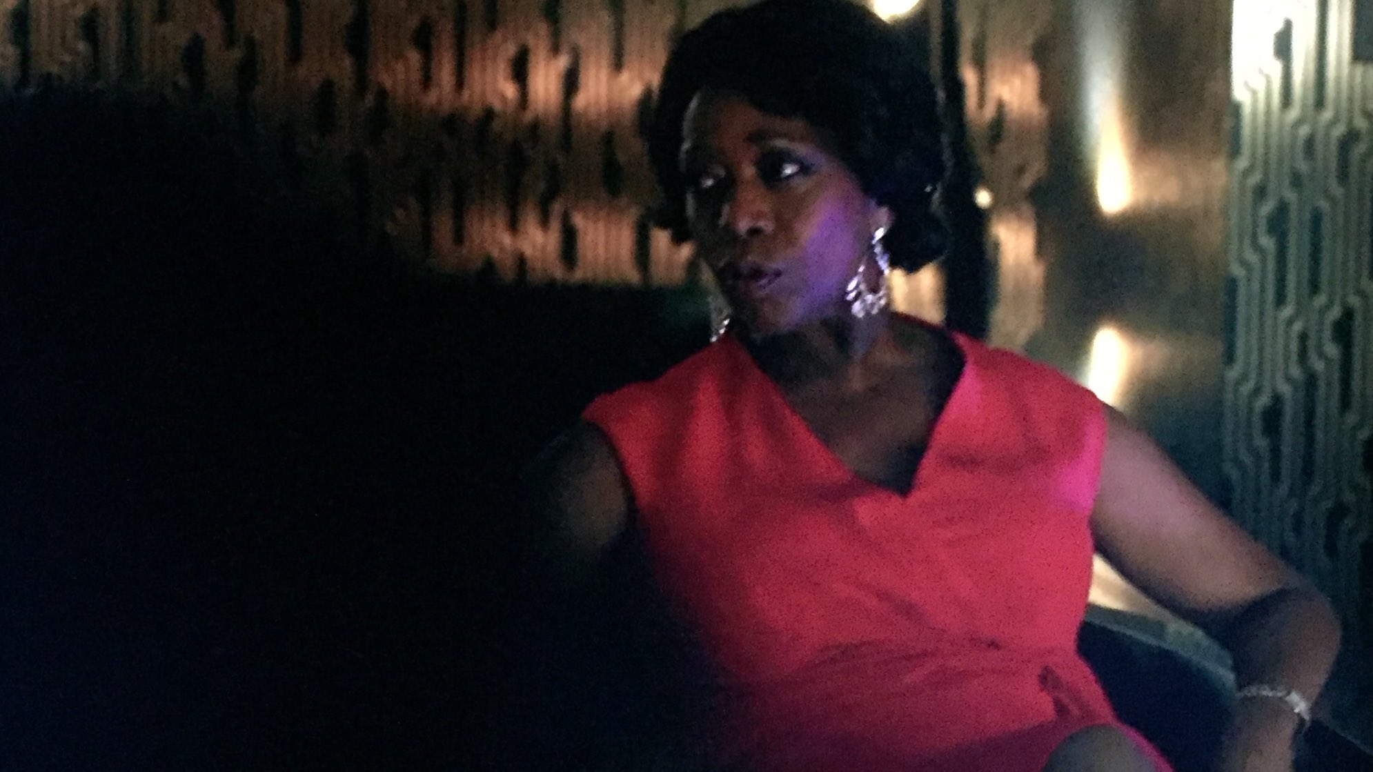 Has ALFRE WOODARD ever been this glamorous in media? Don't think so #LukeCage S1:E1 https://t.co/uRDOdKQrwq