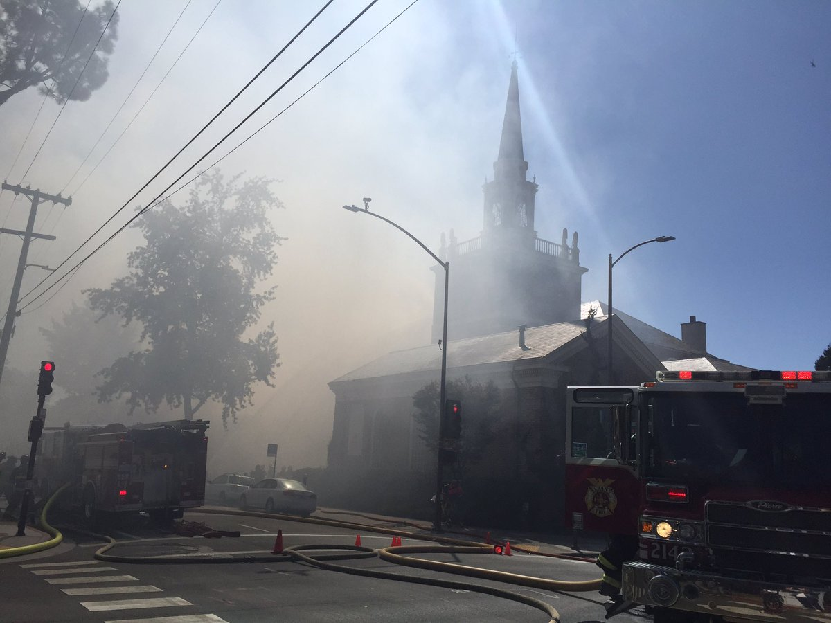 Heavy smoke still pouring out of 1st Congregational Church near UC Berkeley