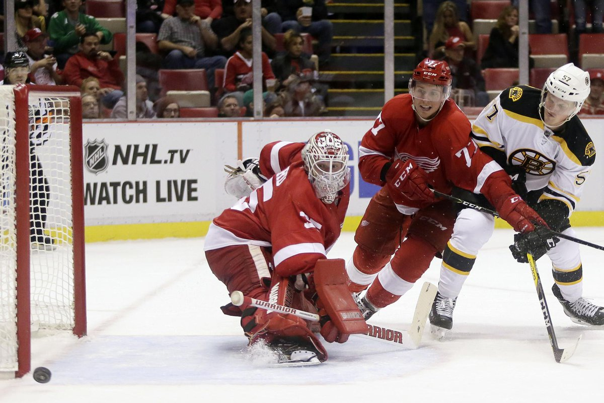 Ryan Spooner lifts Bruins to first preseason win; Boston beats Detroit, 2-1