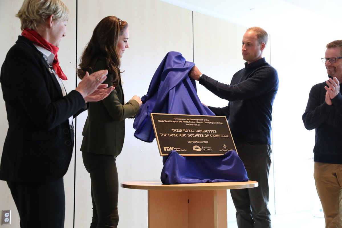 This plaque marks the completion of the new #HaidaGwaii Hospital. #RoyalTourCanada #RoyalVisitCanada https://t.co/G728d1RYS7