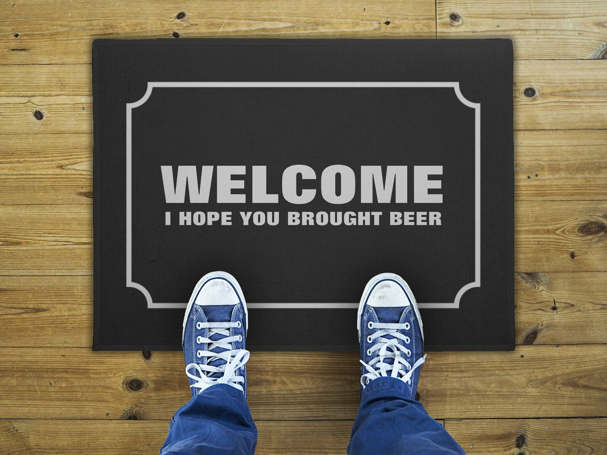 That is how you welcome visitors to your home! https://t.co/fxB8kgjhYU #welcome #doormats #beer #bringbeer https://t.co/Pk0JKHZ7SU