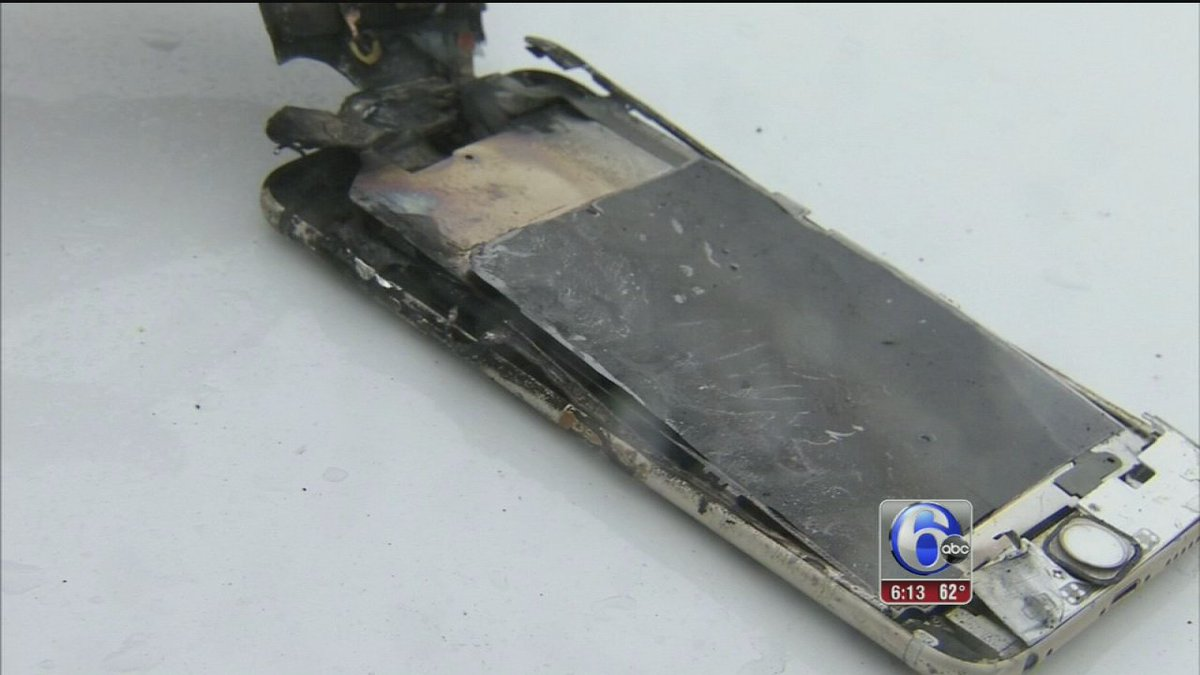 Student's iPhone explodes, catches fire in his jeans during class