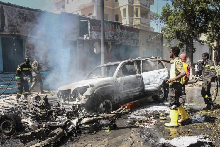 Deaths reported after car bomb explodes outside Mogadishu restaurant