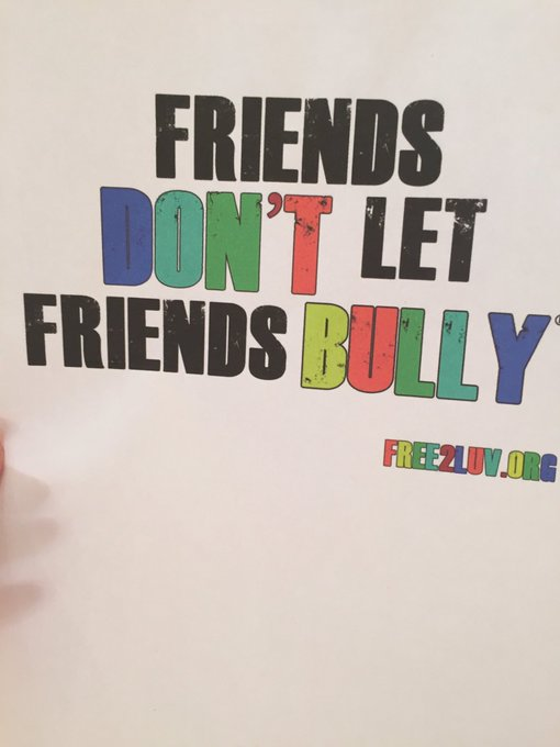 Help me & @FREE_2_LUV create a bully free world! Join our #MillionSignMission #ENDbullying https://t.co/lR5CcJCrwS https://t.co/S7SGJJqoEv
