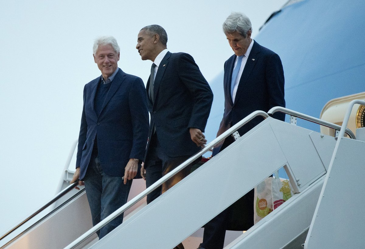 @POTUS Obama had to call @BillClinton to get on Air Force One —