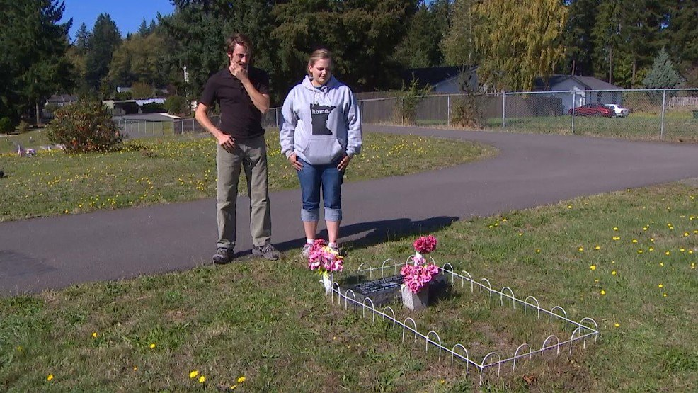 Angry father: 'What kind of sick person would steal from a grave site?' >>