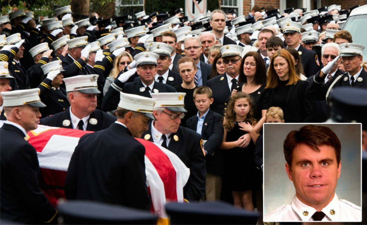 Thousands mourn at funeral for Michael Fahy, FDNY chief killed in Bronx drug house explosion
