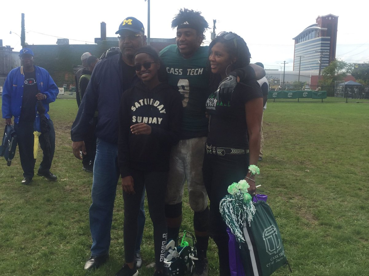 Donovan Peoples-Jones with his family after the game.