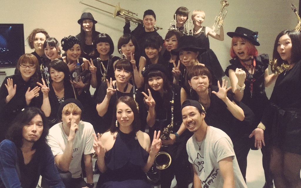 古内東子ライブ! たをやメイツ全員で無事完走しました。古内さん、レジェンドゲストの皆さん、ギター潤子さん、たをやメイツ、スタッフの皆様、来てくれたお客さん、みんな本当にありがとうございました(っˆヮˆ)っ https://t.co/ct4jmxCfE2