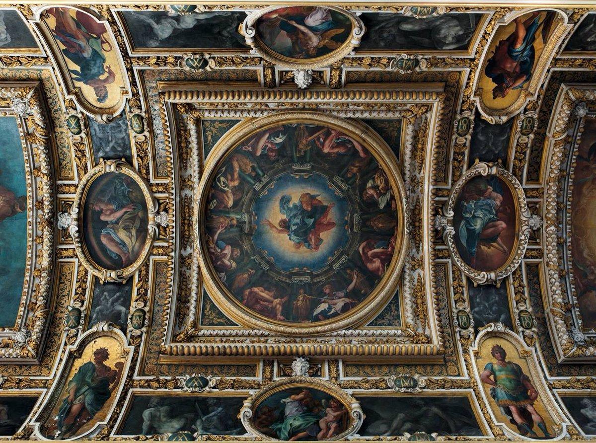 """Château de Fontainebleau on Twitter: """"[ Zoom 🔍 ] La voûte de la chapelle  de la Trinité, peinte par Martin Fréminet… """""""