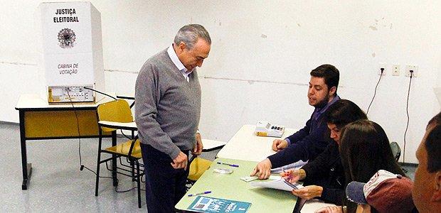 Leandro Colon: No governo de recuos, Temer recua até da hora do próprio voto https://t.co/PZhWsou2RP