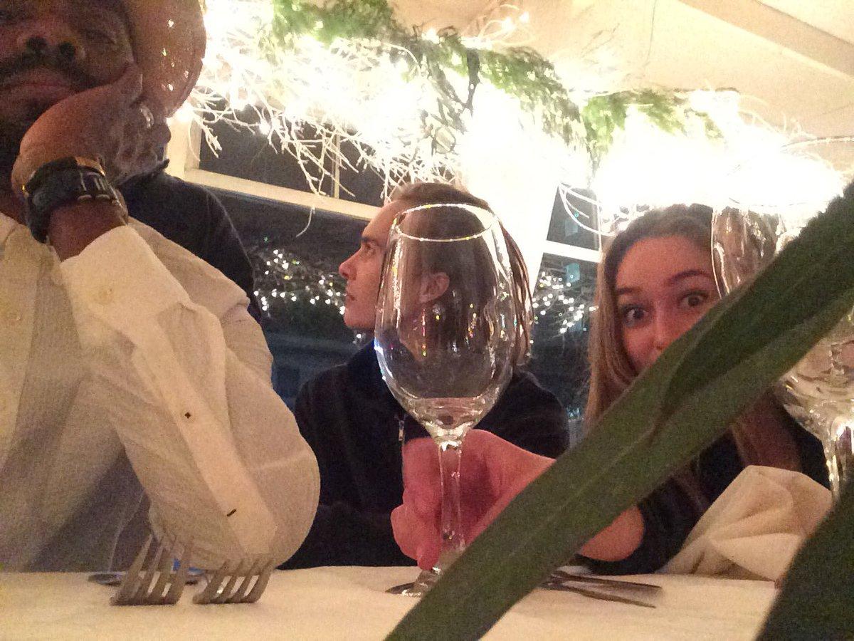 Enjoy tonight's Season Finale. #FearTWD @DebnamCarey #frankdillane and a nice wine glass to toast you! https://t.co/CjB8DrMSpf