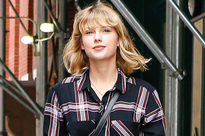 Look do dia: Taylor Swift prova que preto também rola no preppy https://t.co/s8oOBv6o0Z #capricho #mpn