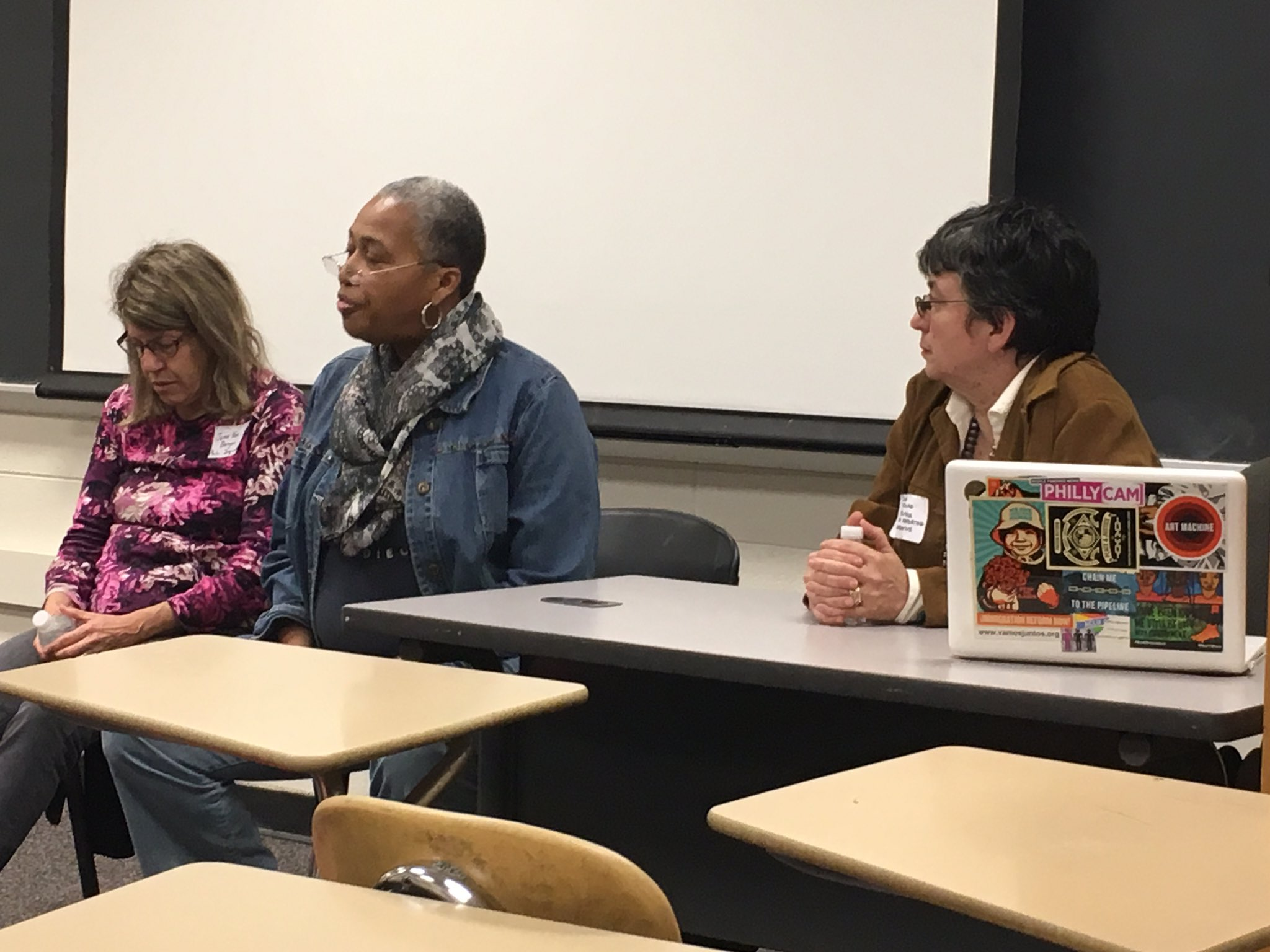Excellent conversation on #reentry with @bobbibooker @followthelede @JaneVonBergen at #bcni16. https://t.co/T5xCbeWsHx
