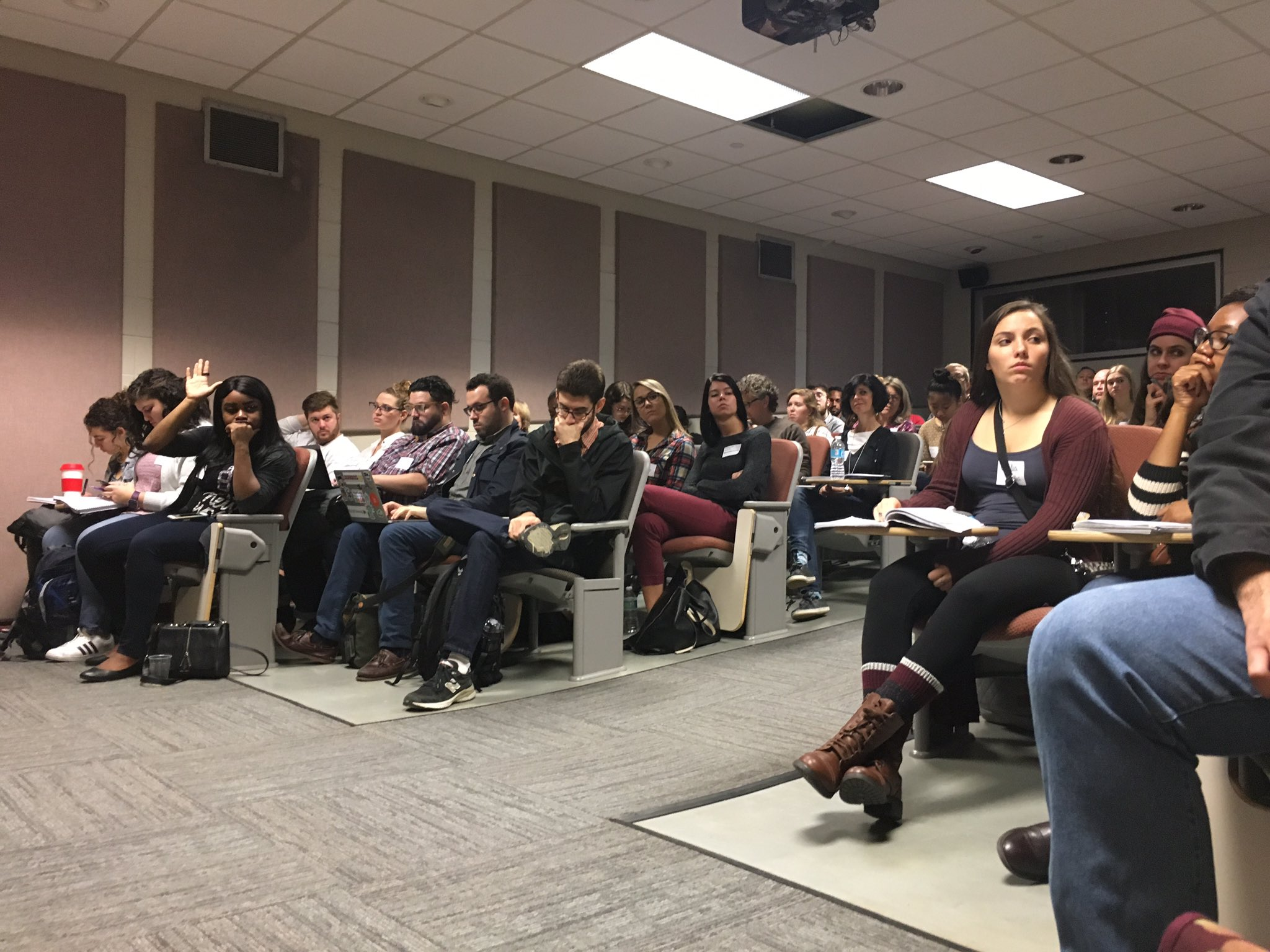 Engaged crowd at @migold and @bydanielvictor's #bcni talk on #objectivity in #journalism. @BCNIPhilly #bcni16 https://t.co/iyaE5kERbo