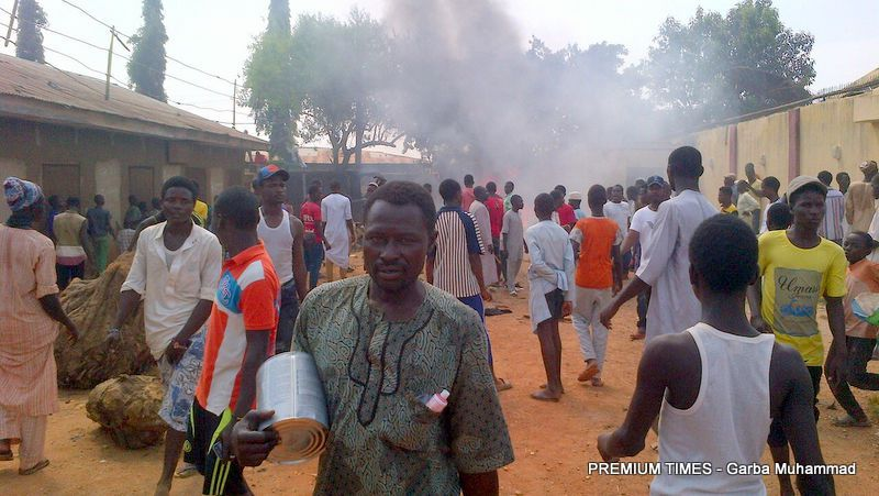 Shiite homes, shops in Kaduna attacked as police warn perpetrators https://t.co/ec6W14TFcy https://t.co/z6UKkG49RJ