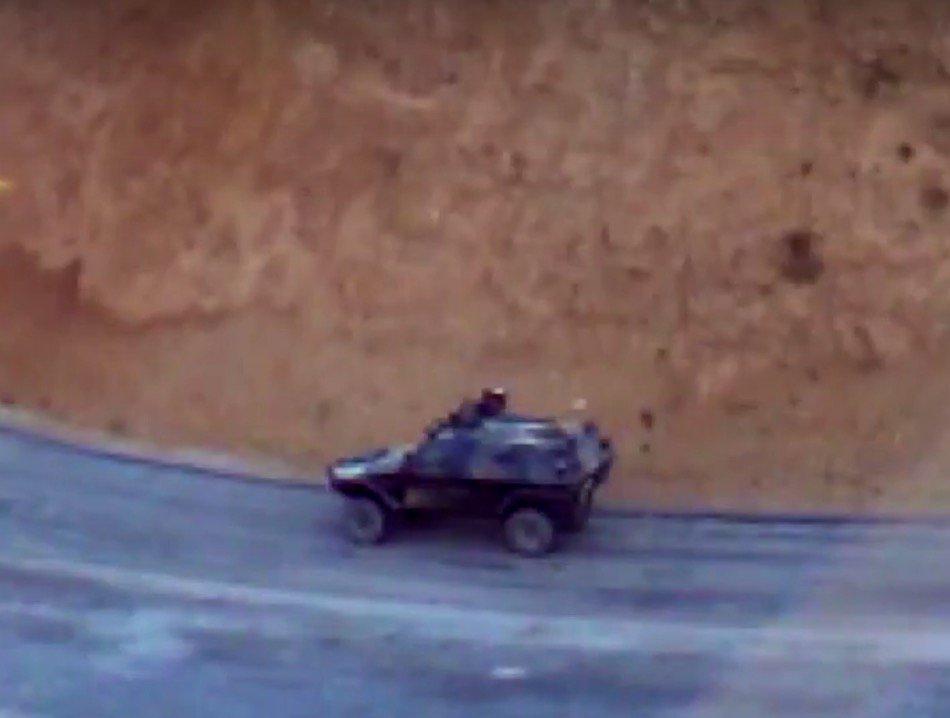 فور دخولها الخدمه : مدرعه Otokar Cobra التركيه تم سحقها بعبوه ناسفه محلية الصنع في بوركينا فاسو Cu33hfgW8AAJNbV