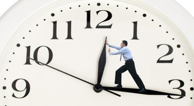 Cambia l'Ora Esatta con l'Orario Solare, domenica si dorme un'ora in più.