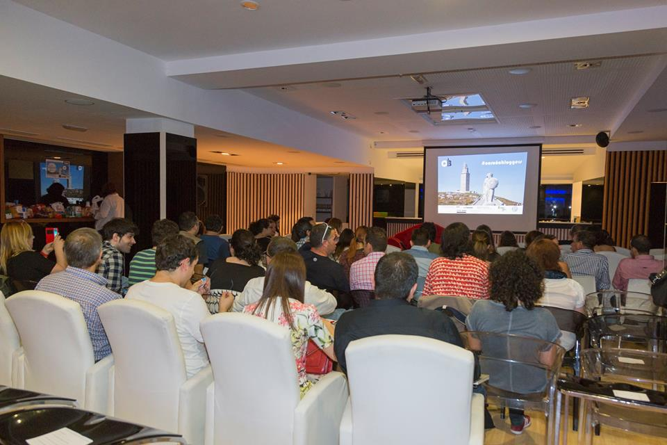 Atención 🚀🚀🚀🚀 Ya están las invitaciones para el 4º #CoruñaBloggers del 26 de octubre  https://t.co/W4llVdk9eA https://t.co/weQ5KCk4T9