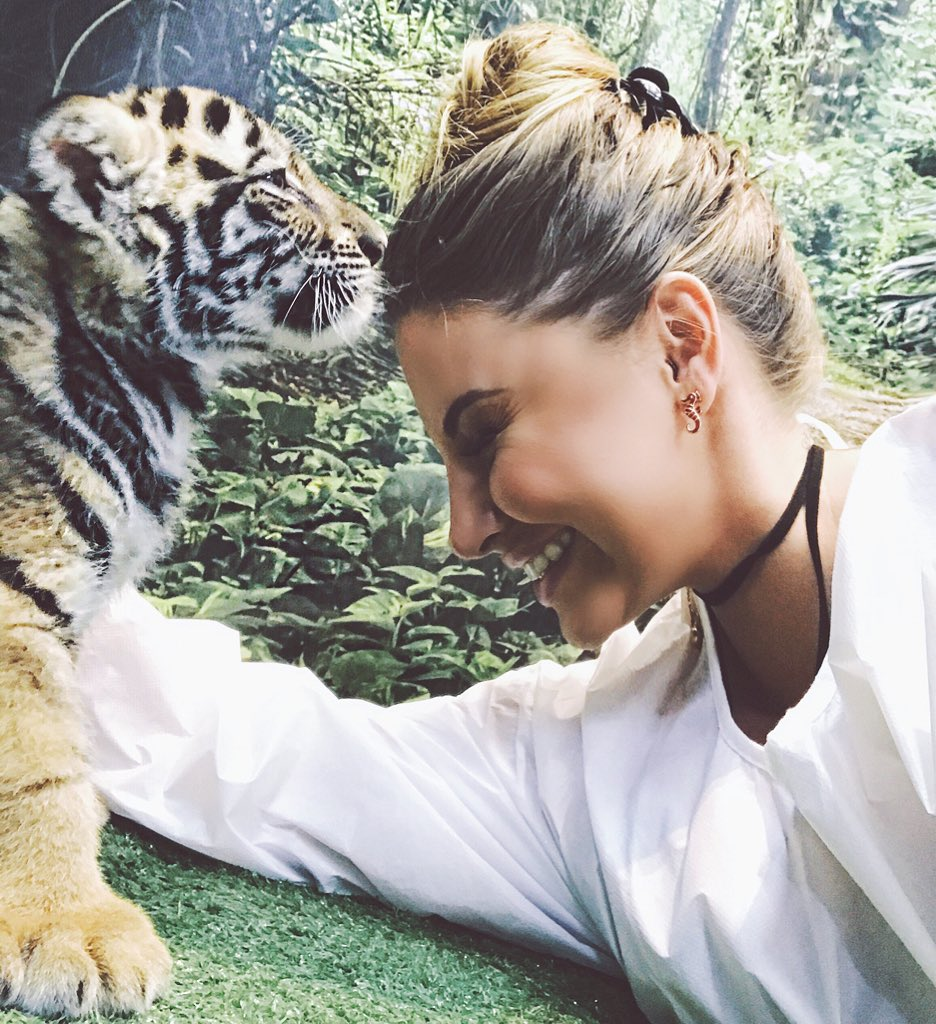 """Ashley Alexiss On Twitter: """"Baby Tiger Kisses"""
