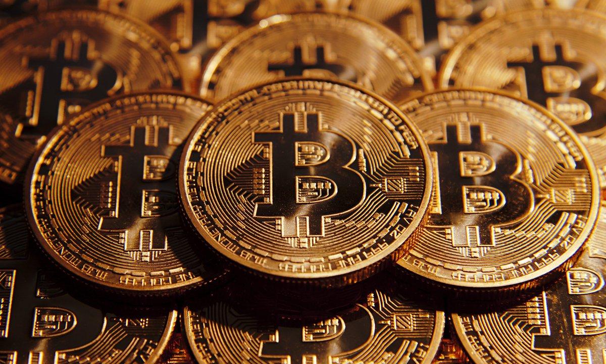 """El """"Bitcoin"""" está cambiando la forma de negociar en el mundo - Víctor Vargas Irausquín"""