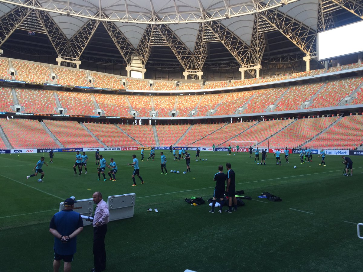 The Socceroos are training at honestly the best stadium I've ever seen with my own eyes #aapsport https://t.co/MpNwu4B2fT