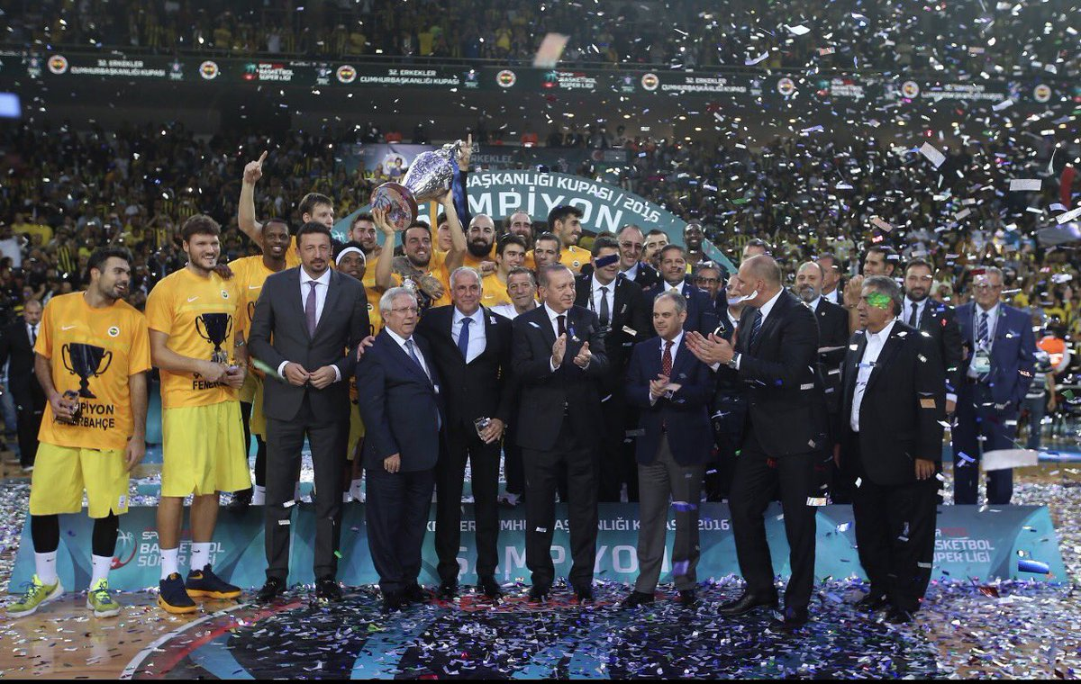 Campioni!!! Champions!!! Sampiyon!! #serinascorinascogigione