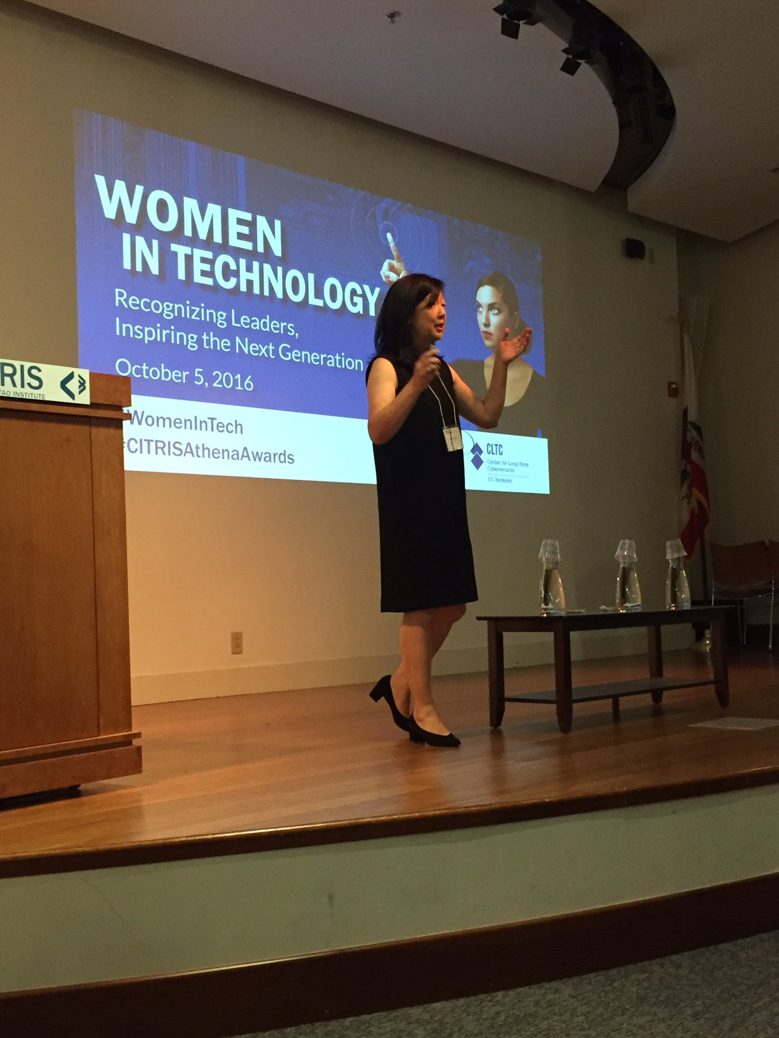Claire Hough shares her experience as a #womenintech at Citris  @citrisnews @SkyDeck_Cal #gobears https://t.co/hi0q19FnG6