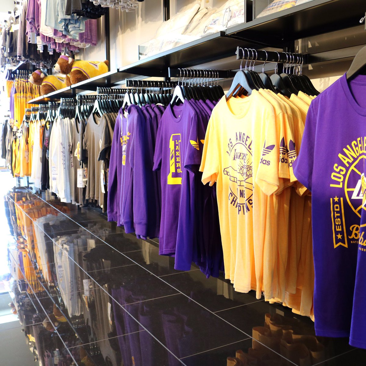 lowest price ca4d6 73ba4 Lakers Store on Twitter: