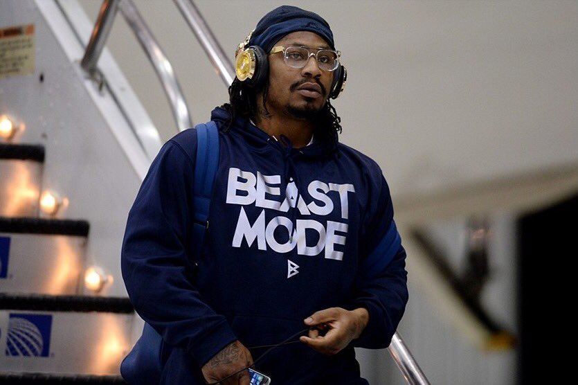 6 years ago today @MoneyLynch was traded to the #Seahawks. Worked out well! https://t.co/XR8LZ4zcaY