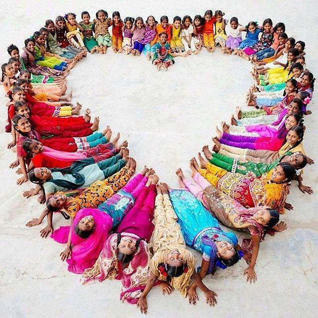 Children of the world, beautiful rainbow of love: https://t.co/TK6S2upWd3 ♥ RT @KariJoys @gede_prama @tomalpat  #JoyTrain #IDWP #Peace ❤
