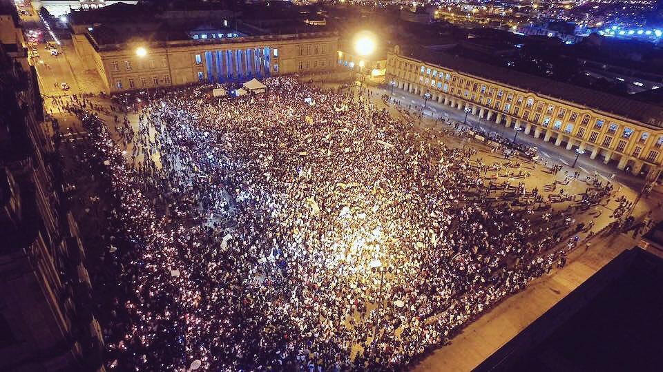 Hoy las lágrimas son de esperanza @JuanManSantos y @AlvaroUribeVel La Paz es nuestra #MarchaPorLaPaz #AcordemosYa https://t.co/XSiWUZYJQa