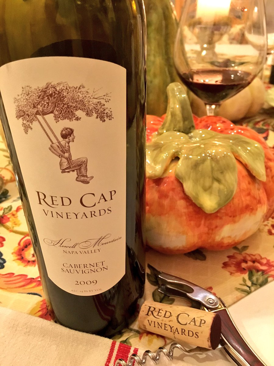 Grilled beef tenderloin, mixed roasted vegetables, roasted red shrimp &  @RedCapVineyards '09 #HowellMountain Cab. https://t.co/vyV9lKl226 https://t.co/m6itMDSI5L